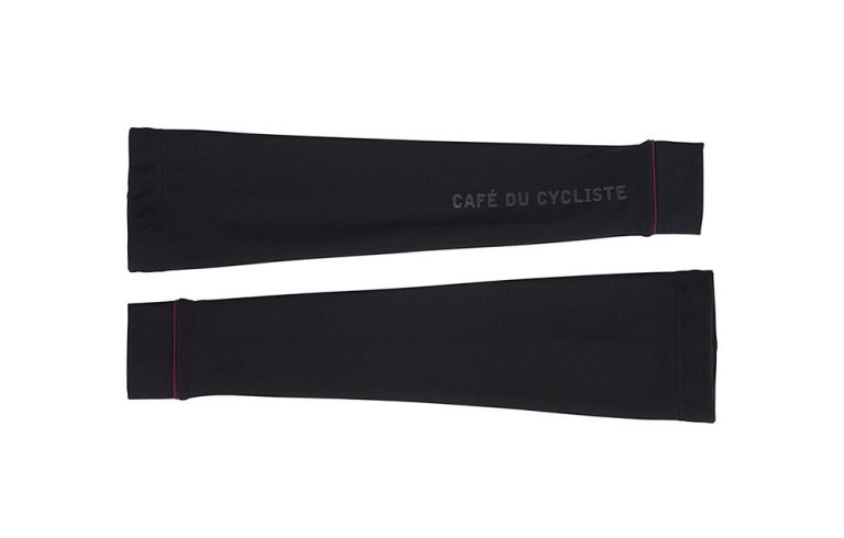 rain-cycling-armwarmers-loulou-black-front